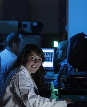UO researcher in a science lab